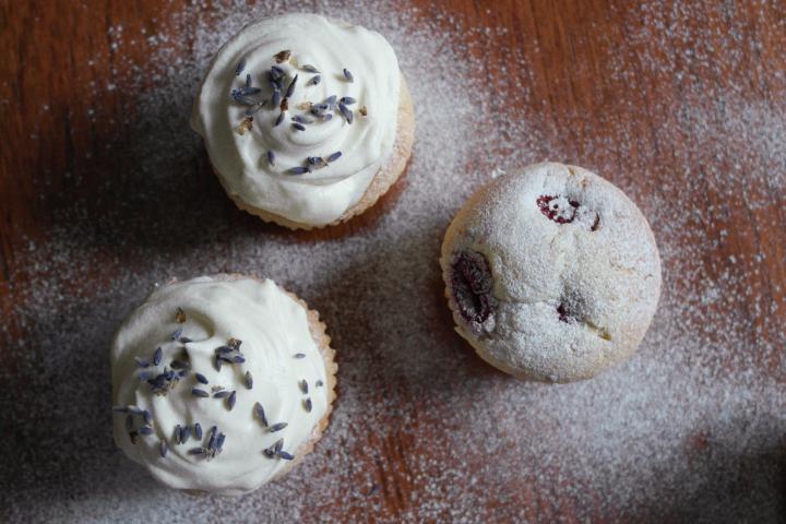 raspberry-lavender-muffins2